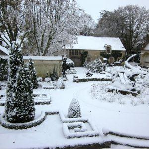 jardin enneigé